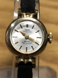 It is ROLEX TUDOR PRINCESS - ROTOR SELF-WINDING Watch